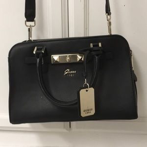 GUESS Cherie Girlfriend Satchel
